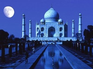 taj-mahal-at-moon-light-300x223.jpg