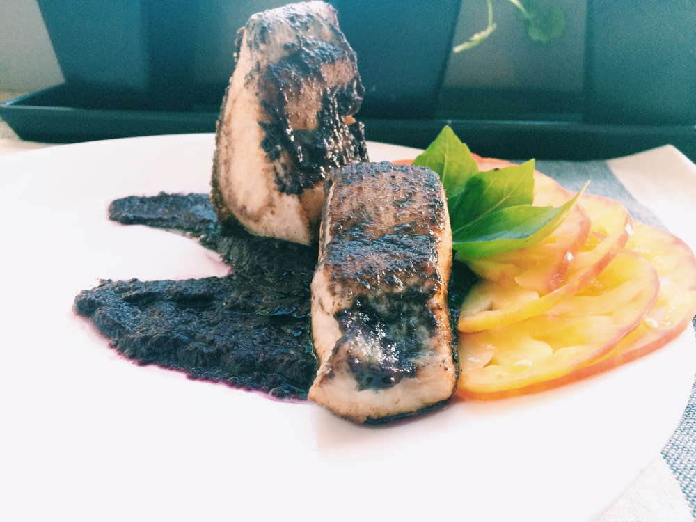 MAHI MAHI WITH BLUEBERRY TOMATO SAUCE