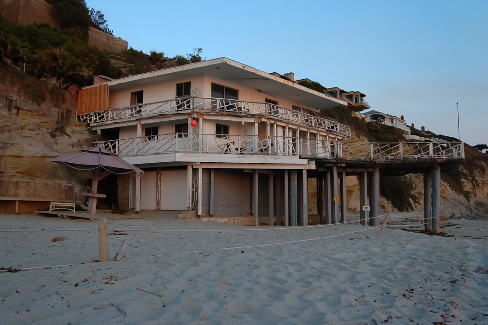 View of the now demolished home on the beach. May, 2007 10th Street, 1000 Steps Beach, Laguna Beach, CA.