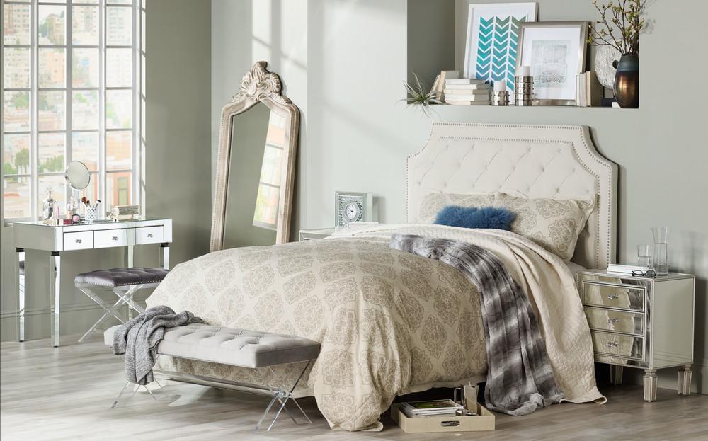 012916-55d-161237-a-cozy-guestroom-h.jpg
