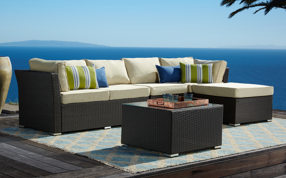 020116-55d-161197-new-outdoor-furniture.jpg