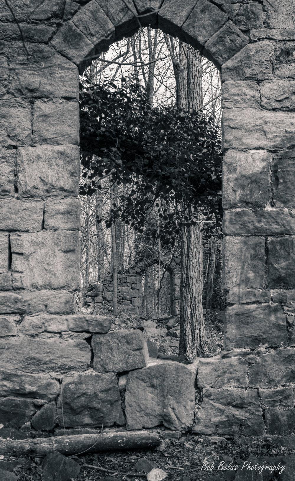 St Stanislaus Arch 2, monochrome