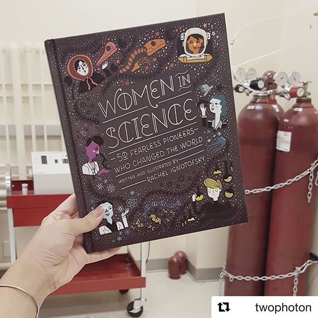 Thanks @twophoton for this awesome photo of Women In Science in the lab! #booksinthewild #scienceeveryday #womeninscience