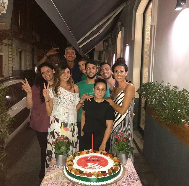 Auguri a noi!!!!! 1 anno My Sicily 🎂#mysicilyfastgourmet #mysicily #sicily #sicilianfood #streetfood #granisiciliani #hamburger #sandwiches #catania #igerscatania #cataniagram #sicilia  #igerssicilia #igersitalia #photooftheday #foodlove #foodgasm