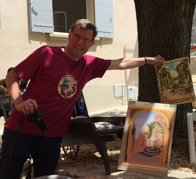 Jan-displaying-drawings-Saignon.jpg