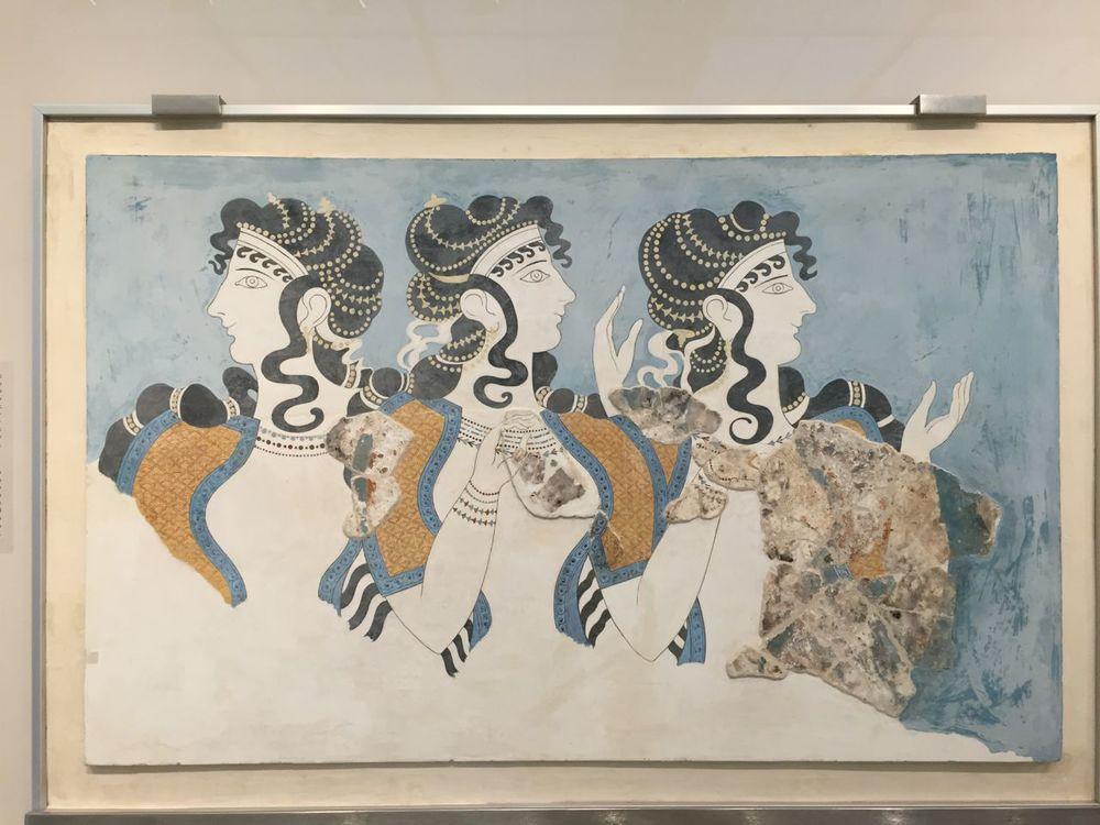 Knossos-mural-three-women-museum.jpg