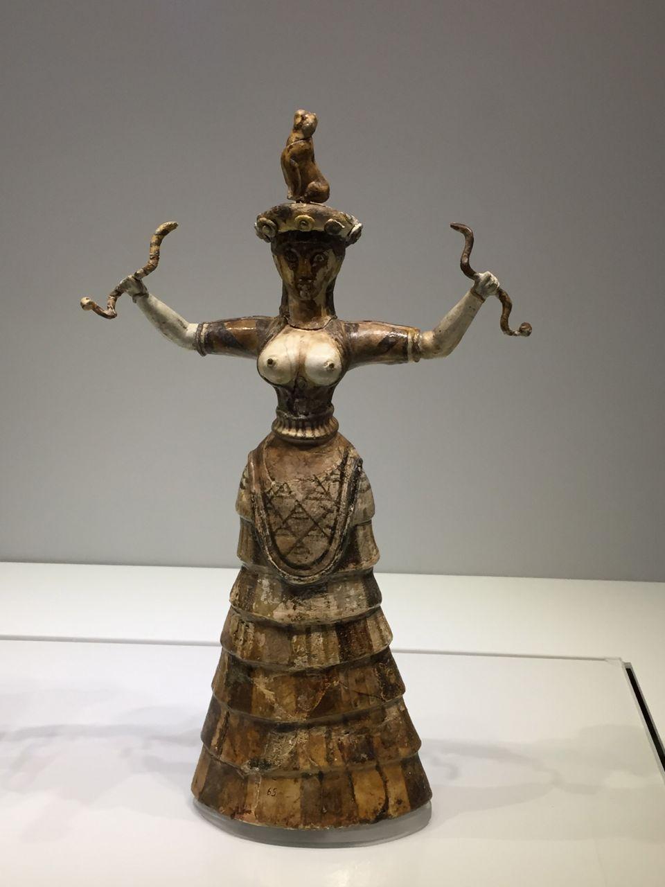 snake-statue-Heraklion-museum.jpg