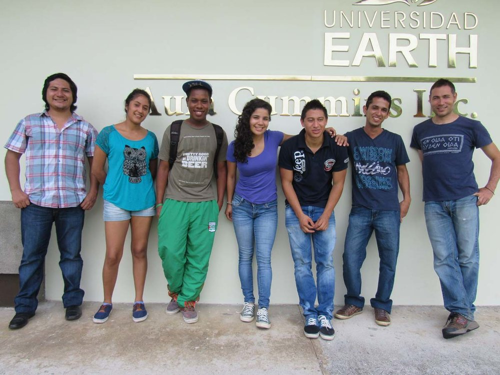 Prior to leaving for Panama, Maria and her fellow interns met with last year's volunteers and Field Impact Officer Ricardo Romero to prepare.