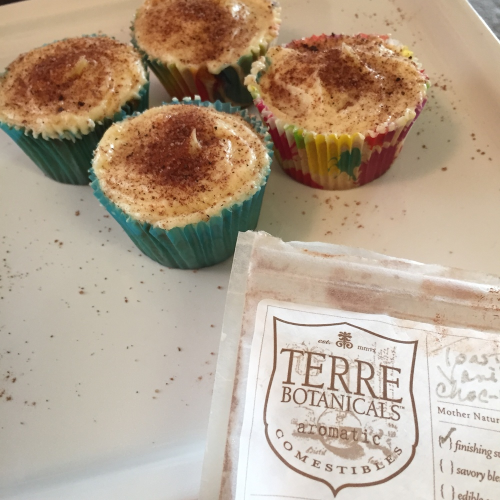 Toasted Vanilla Choc-la-tea cupcake dusting. Cupcakes made with Fat Uncle Farms sonora wheat flour, also on  treatmo .