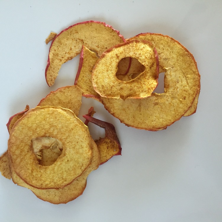 Fluffy Vegans - Cinnamon Hug Apple Chips