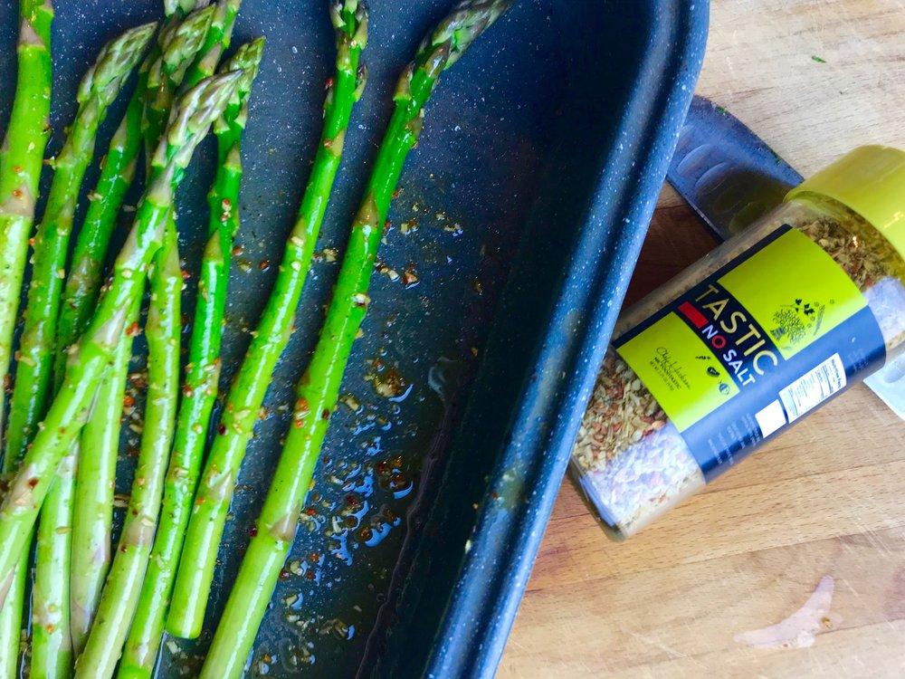 Oh wow, such good asparagus with olive oil and Tastic No Salt - parsley, basil, saffron, pepper, lemon peel.
