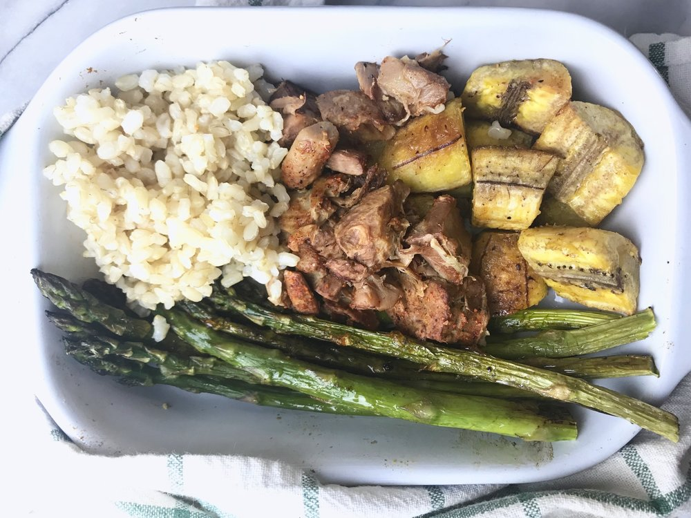 Jackfruit served with short grain brown rice, asparagus and plantains. Spiced with Tastic Original and Tastic No Salt (for the veggies) available through the Treatmo Marketplace on  iTunes .