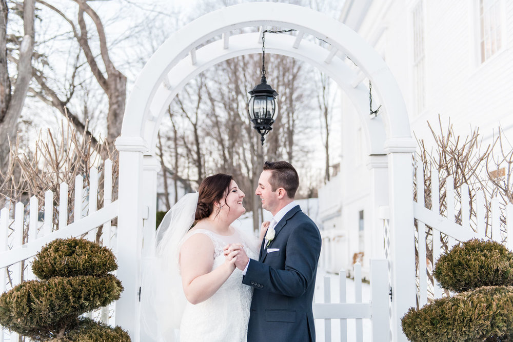 Katelyn + Joe | St. Patrick's Day Topsfield Commons Spring Wedding | Boston and New England Wedding Photography Portraits with Veil | Lorna Stell Photo