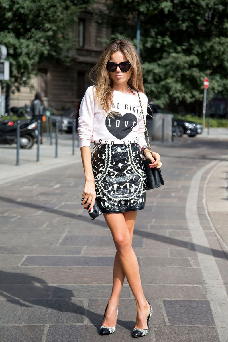 STREET STYLE GRAPHIC TEE AND PRINTS Erica Pelosini.jpg