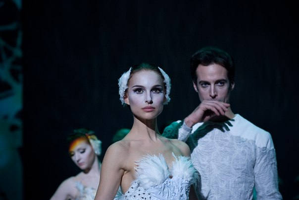 New-Black-Swan-Pictures-black-swan-33046699-604-403.jpg