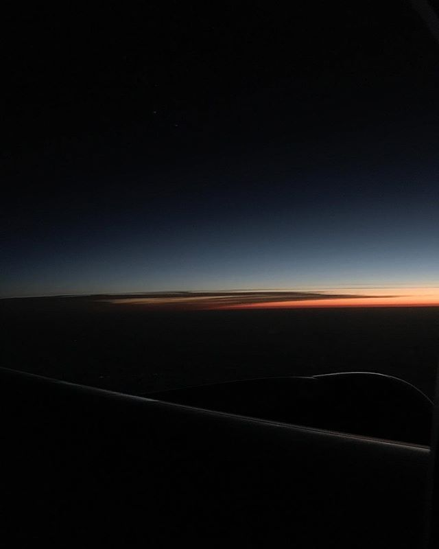 When you can't sleep on planes... . . #daybreak #sunrise #inthesky #vsco #vscocam
