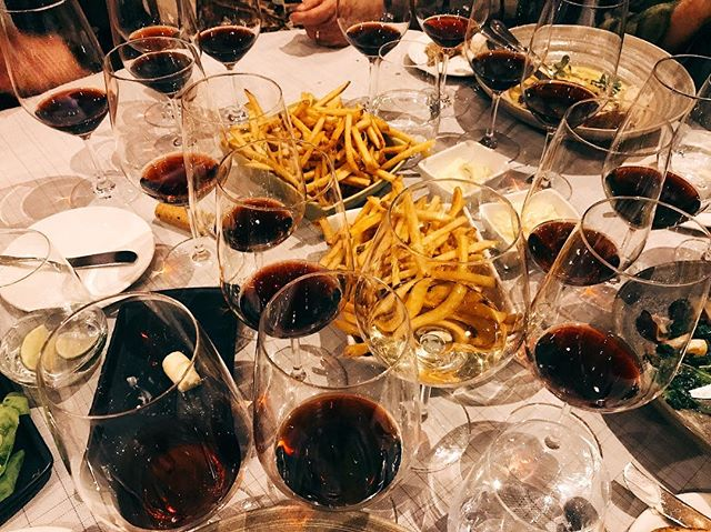 We know what's important...🍷🍟 . . #leavingthebestforlast #wineandfries #notenoughbottles #winelovers #vsco #vscocam