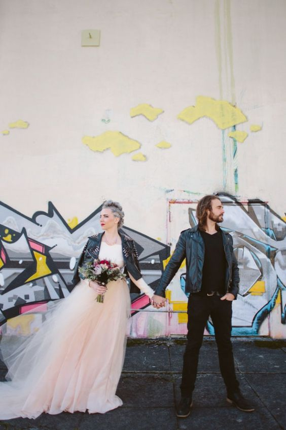 https://www.rocknrollbride.com/2015/12/glamorous-grunge-inspired-wedding-shoot-in-seattle/