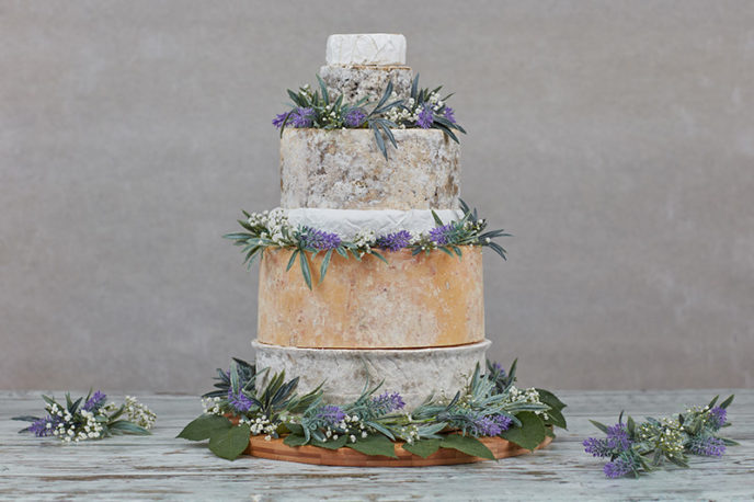 http://yourweddingphotos.co/cheese-wedding-cake.html
