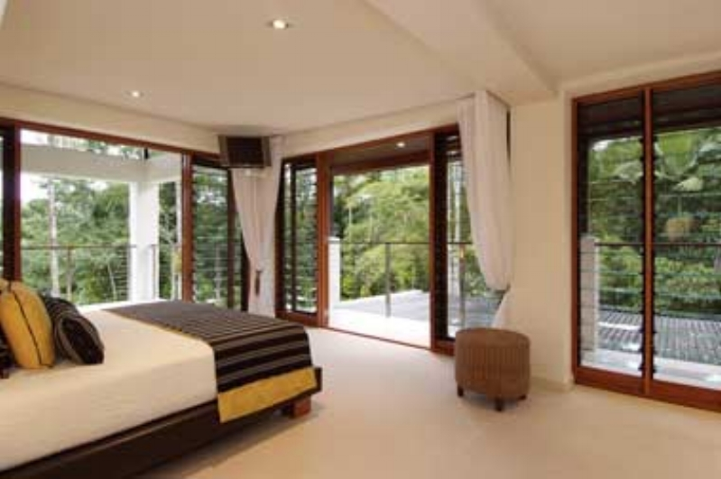All king and queen suites are similar with slightly different bathrooms, but all have rainforest views. All very spacious.