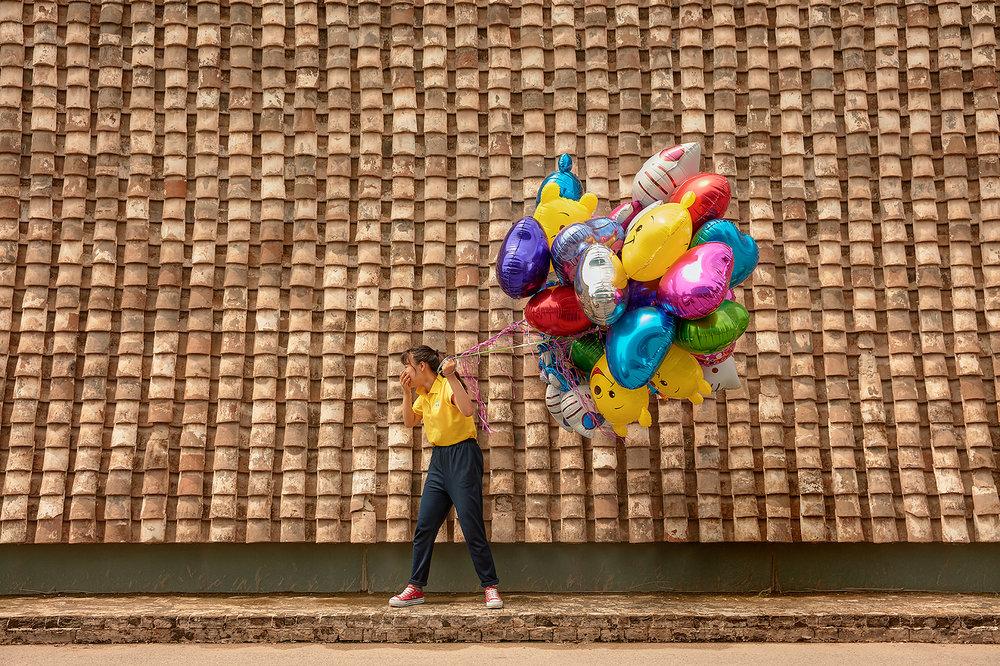 Balloons_w_Girl.jpg