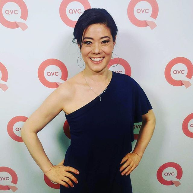About to go on @beautyiq @qvc at the 10pm hour with @eliseivyqvc. Tune in to get a #koreanbeauty masterclass... and I take off my makeup LIVE on air! 👏🏼🎥 🎈@ladniergroup #savorbeauty #naturalbeauty #gorgeousskin #organicskincare #mulgwanginaminute #loveqvc #beautyiq