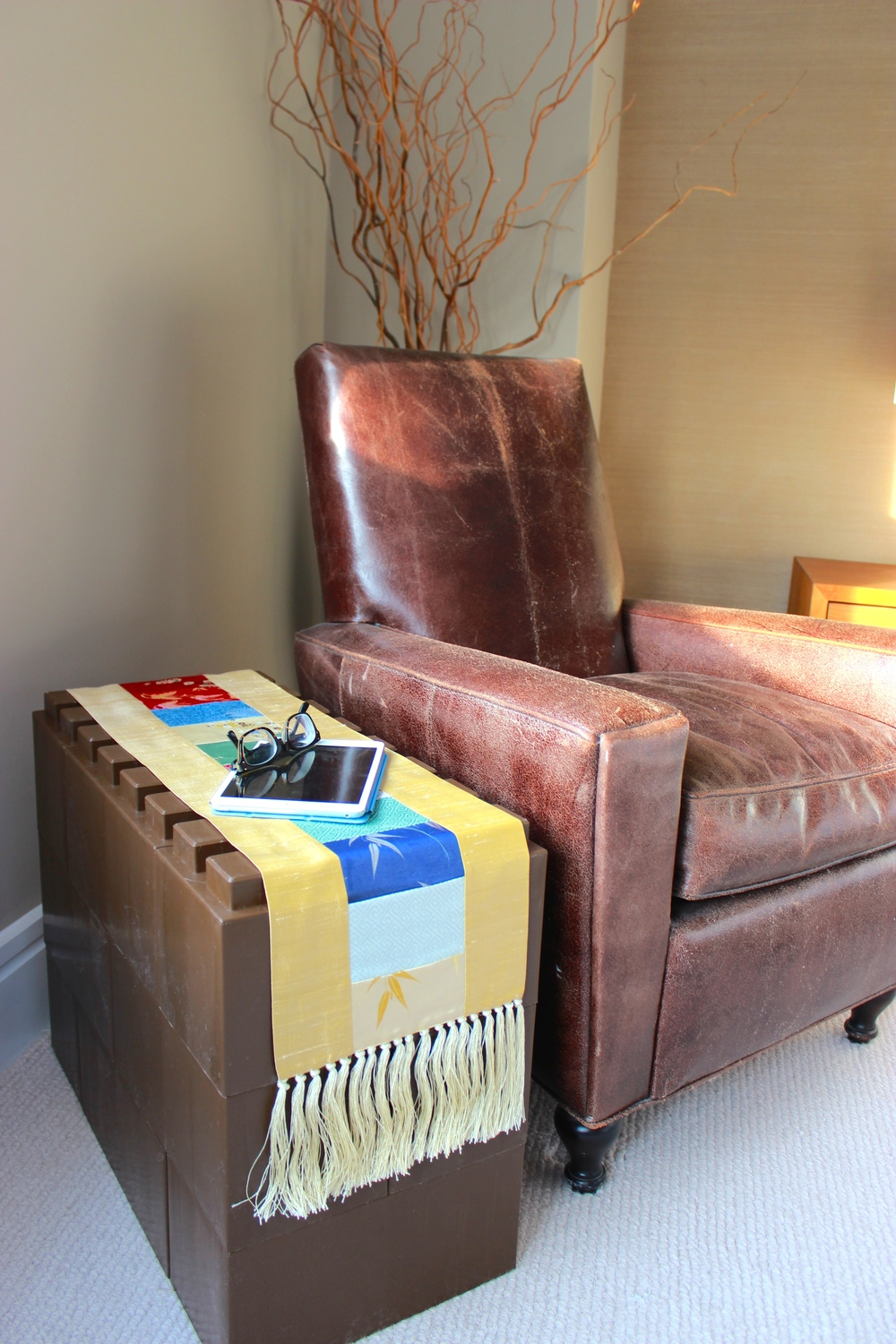 Use for modularside tables and end tables.