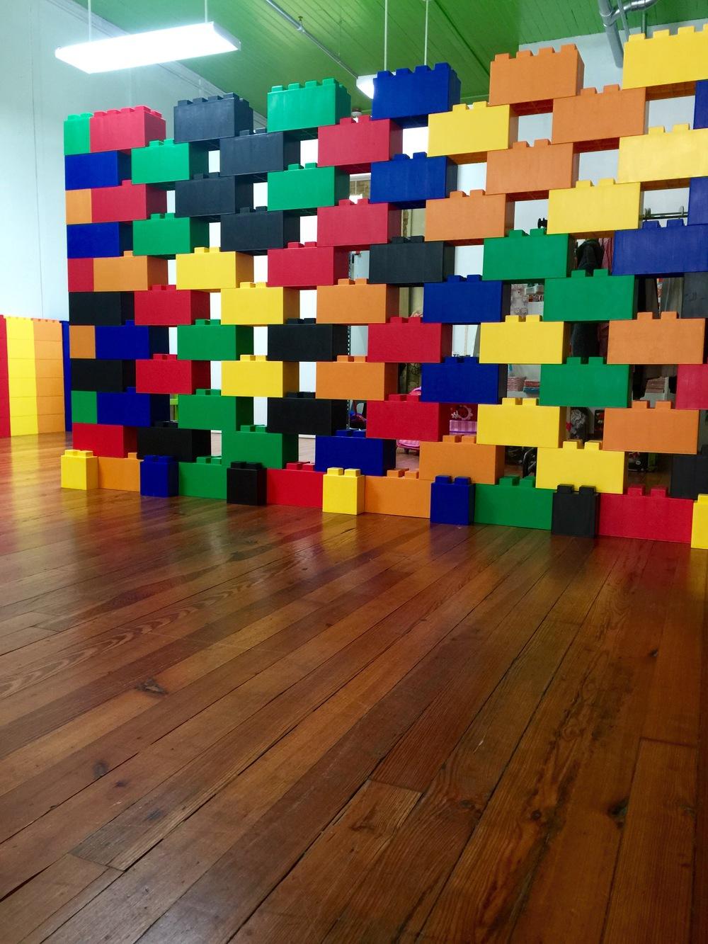 Interlocking walls