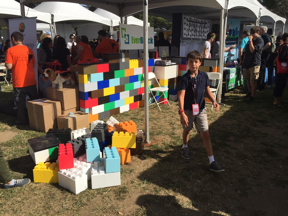 Everblock hits world maker faire 2015 everblock for Everblock systems