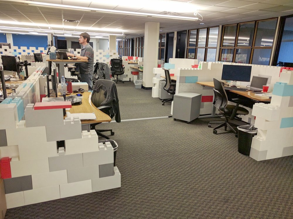 Divide offices in a cool and creative way