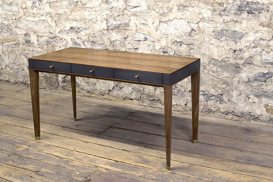 Tulare Desk Web 032516ss.jpg