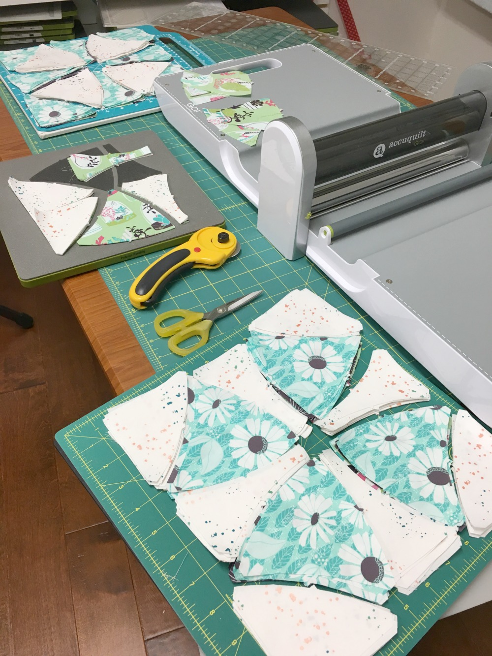Cutting the Winding Ways Quilt with the Accuquilt