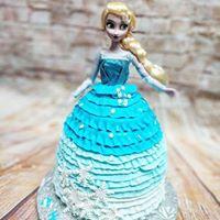 Doll Frozen Cake.jpg