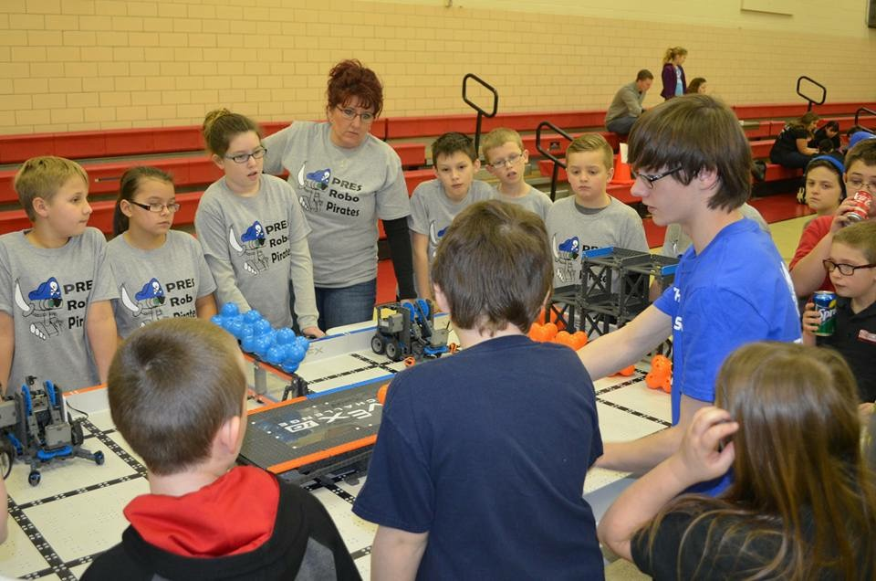 The Robot Pirates of Parkwood Elementary School gather around the field before a match.