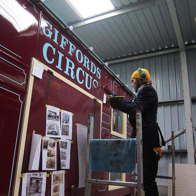 Traditional signwriting for @officialgiffordscircus #signwriting