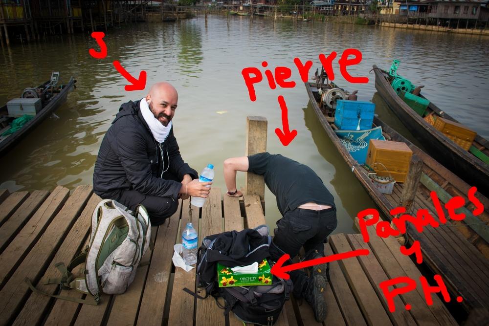 Pierre sucumbiendo ante la potencia de la cocina Bamar