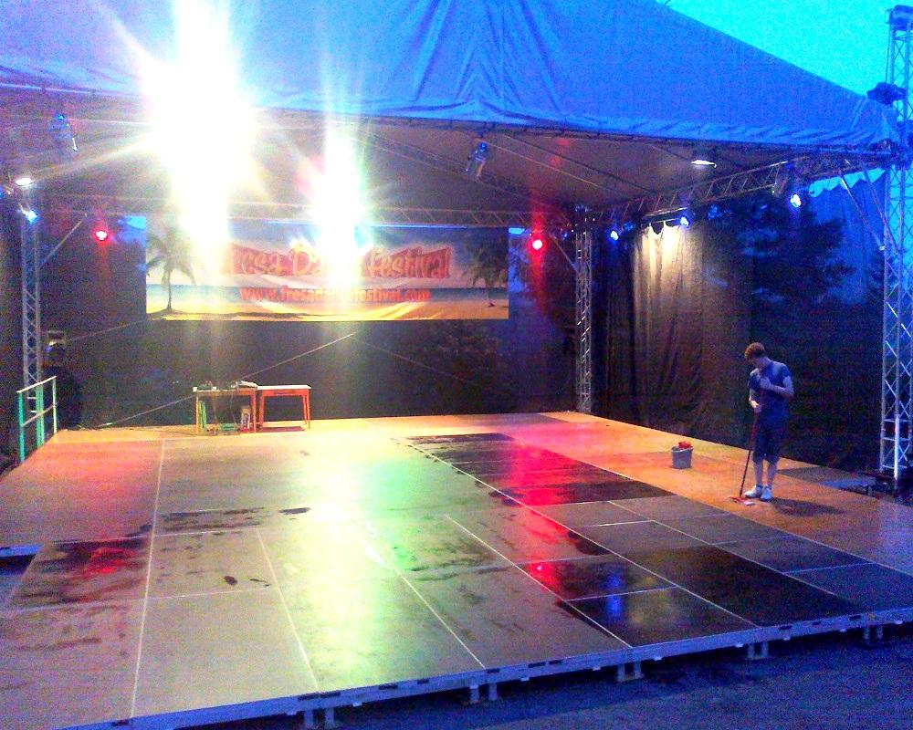 Taneční parket, mobilní taneční parket - outdoor.jpg
