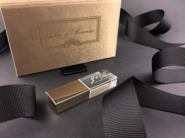 Luxury logo-stamped satin box with matching engraved crystal USB with gold foil cap. For the unforgettable black tie wedding. ⠀ .⠀⠀ Packaging curation and logo design by Helicon Paper Co. for @mangotreedocs. USB box and drive supplied by @photogflashdrive.⠀ .⠀ .⠀⠀ .⠀⠀ .⠀⠀ .⠀⠀ #packagingdesign #logo #customlogo #logodesigner #logodesign #weddinglogo #crystalusb  #weddinginspo #blackandgold #weddinginspiration #weddingstyle #weddingvideography #weddingusb #weddingusbpackages #heliconpaper