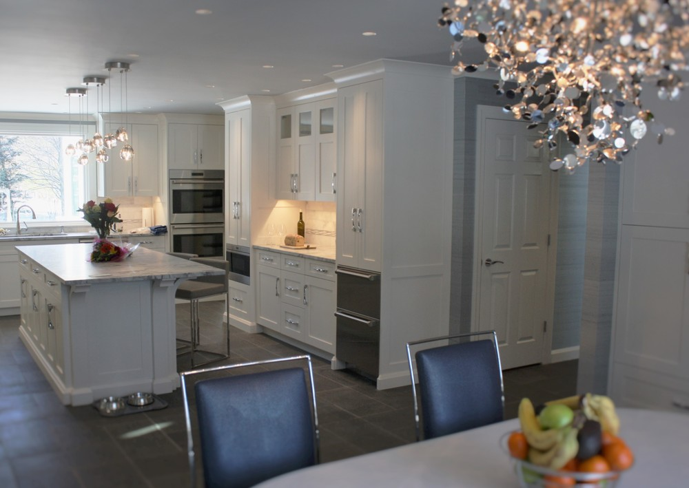 Dining area-Argent chandelier.JPG