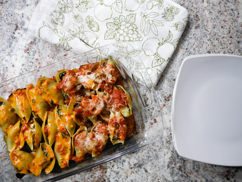 What do queso, sausage & peppers and a french dip sandwich all have in common? They can be repurposed to make one incredible stuffed shells meal.