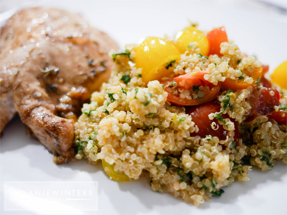 20 minutes to a healthy spinach and tomato quinoa full of fresh flavor.