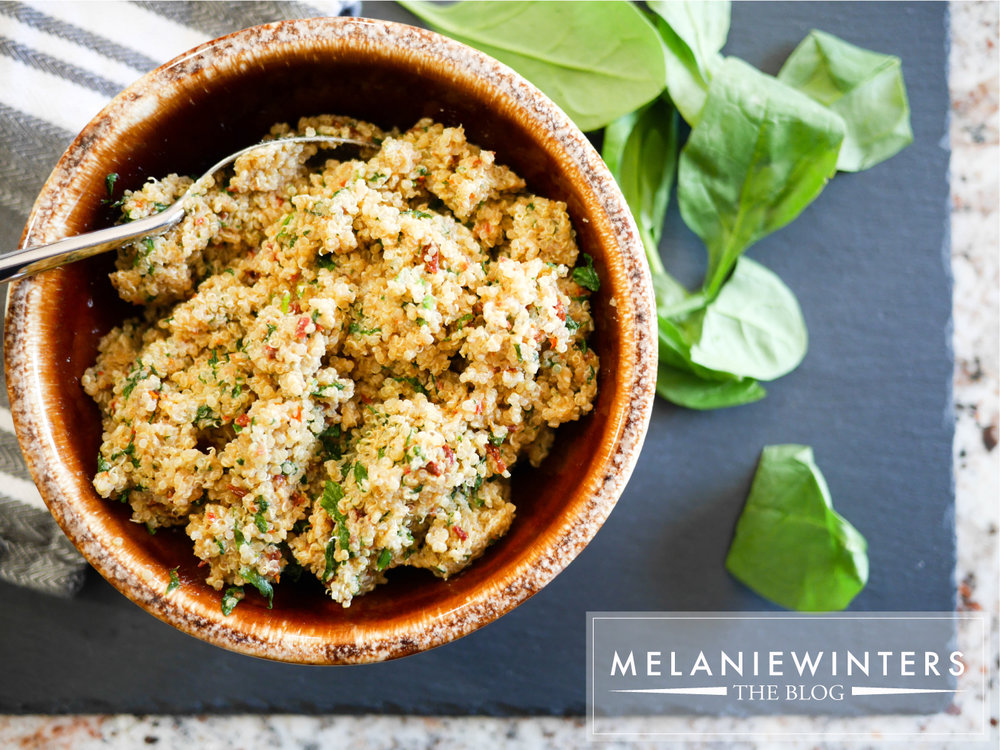 Spinach and sun-dried tomato quinoa is ready in 20 minutes with only 6 ingredients. This healthy and delicious side dish will be a staple at your house.