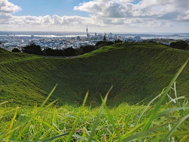 Walked around Auckland all day and I'm stunned by it's beauty. I'll be playing at club Impala tomorrow night ✌️✌️
