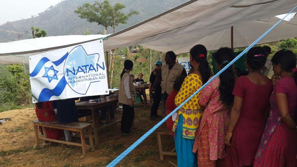nepal-natan-long-queues-for-treatment