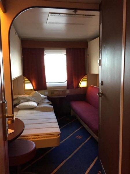 我所住的同等艙房,房價承惠 177 歐元,最多可供 4 人住宿。