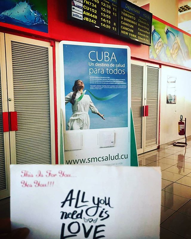 I may have not been in the country for New Years yesterday, but that didn't stop me from leaving letters in Cuba!!! Where did u leave a letter from yesterday ??? #letlovesurpriseyou