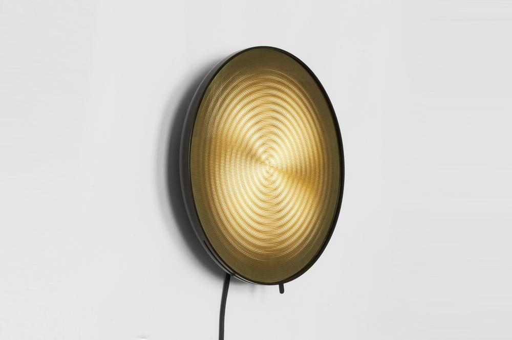 Moire light - Circles side.jpg