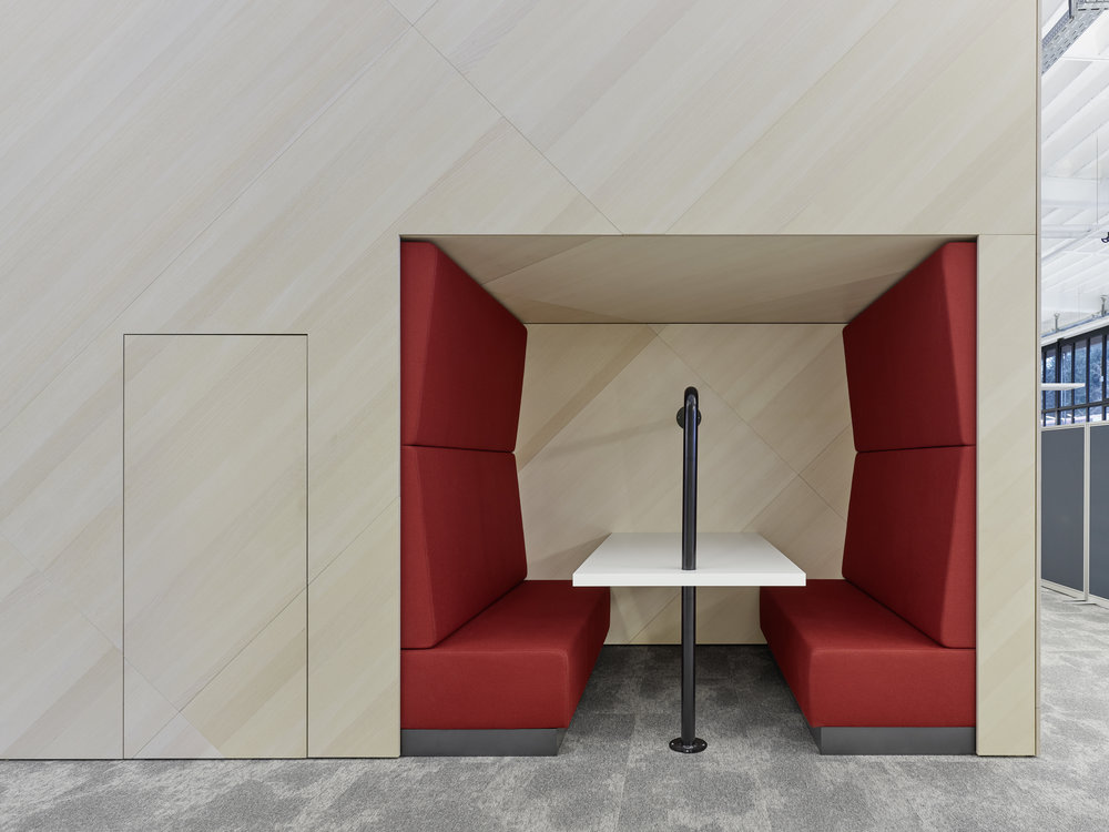 Bosch Automotive Steering - Neue Arbeitswelt 205, office, multispace, upholstered alcove, red, interior architecture, design