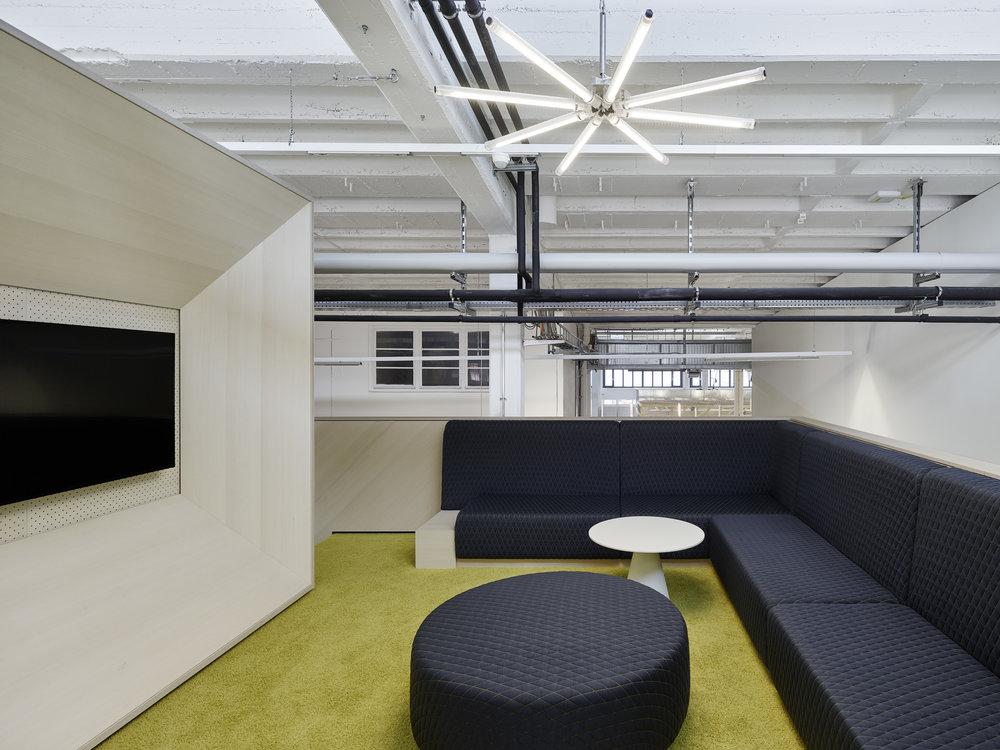 Bosch Automotive Steering - Neue Arbeitswelt 205, green office, lounge, couch, pouf, lightning, industrial design, interior architecture