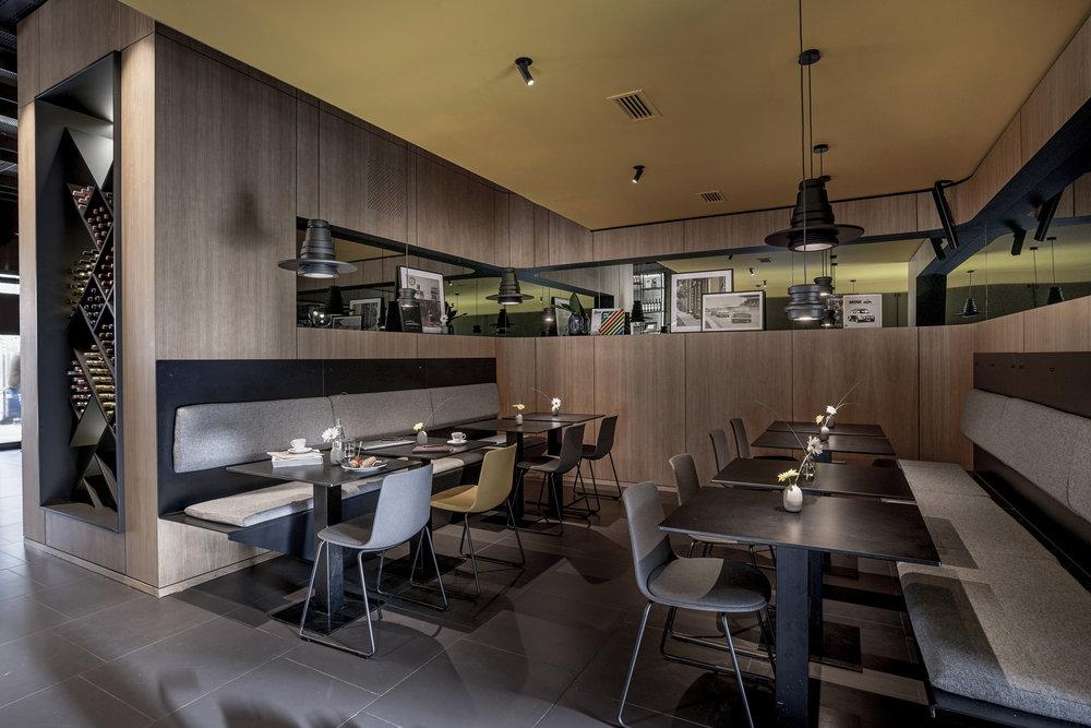 Mini Bar Bilbao, hospitality, bar, interior architecture, interiordesign, Innenarchitektur, Bilbao, Stuttgart, Mini, Studio Alexander Fehre, Liganova, Mini Headquarters